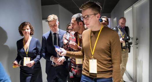 Lars Joakim Skarvøy er ansatt som politisk journalist i TV 2