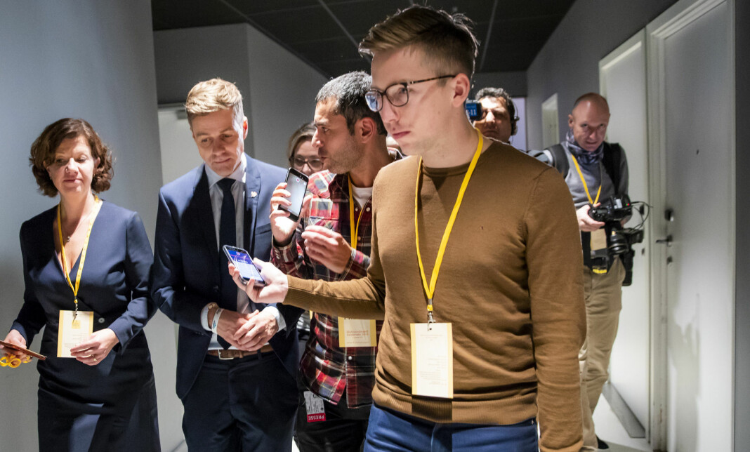 VGs politiske reporter Lars Joakim Skarvøy (foran i bildet). Foto: Håkon Mosvold Larsen / NTB scanpix