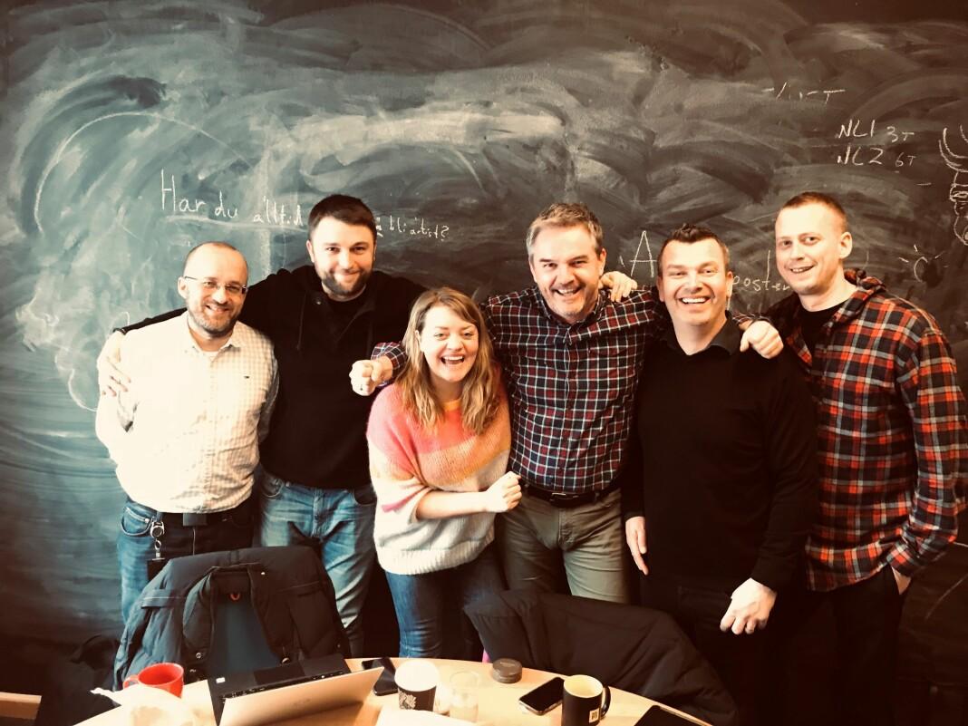 Det er styregruppen for den nye podkasttopplisten: Kristian Tolonen (NRK), Jim Fossheim (Moderne Media), Vilde Batzer (NRK), Rune Hafskjær (P4-gruppen), Bjarte Øgrey (Bauer) og Martin Jondahl (VG). Foto: Ingjerd Østrem Omland/NRK