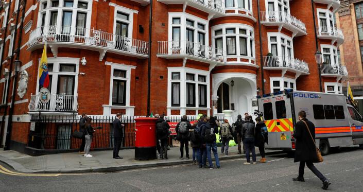 Julian Assange pågrepet av britisk politi