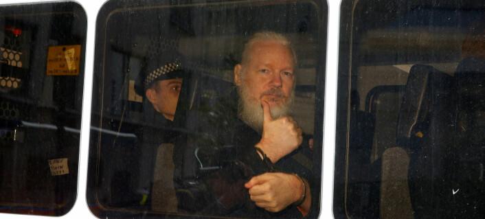 NJ tar avstand fra spion-anklagene mot Assange