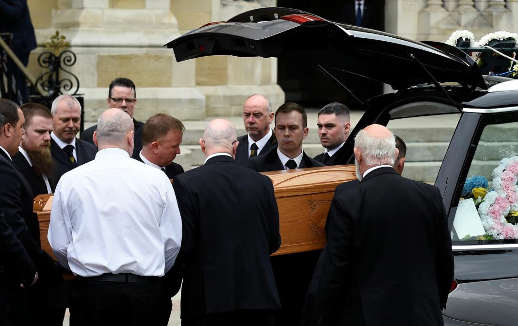 Lyra McKee ble skutt og drept mens hun dekket sammenstøt mellom politi og demonstranter i Derry i Nord-Irland skjærtorsdag. Foto: Reuters / NTB scanpix