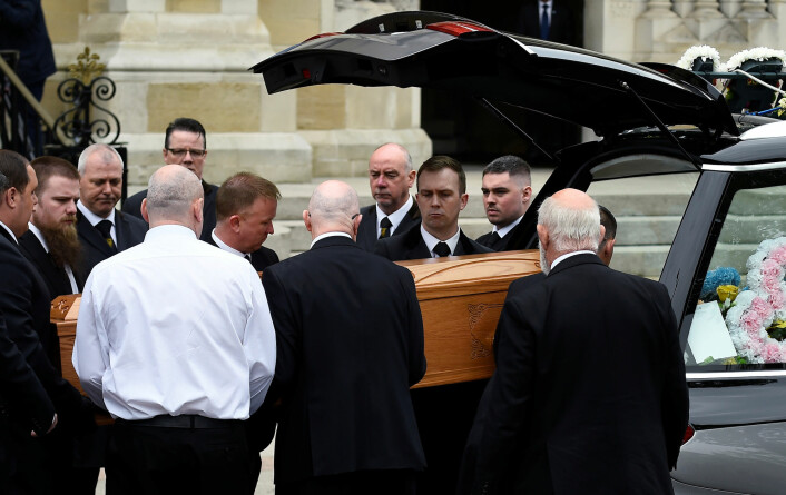 Drept nordirsk journalist fulgt til graven i Belfast