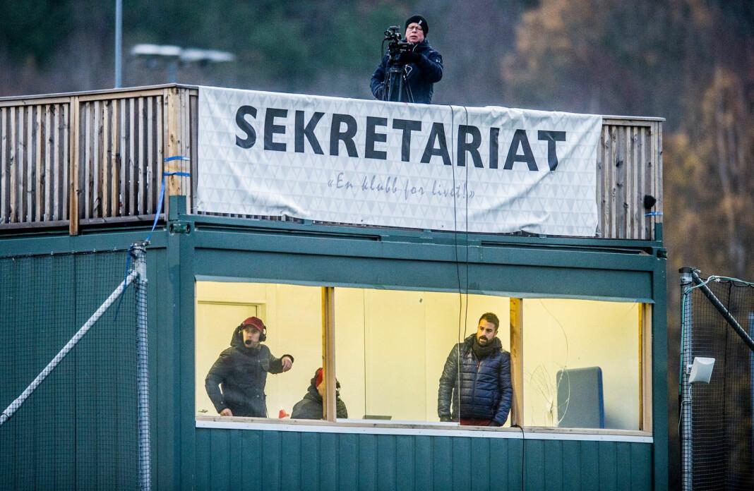 Her filmer Erik Hagen kampen mellom KFUM og FFK i kvalifiseringen til OBOS-ligaen i fjor. Foto: Geir A. Carlsson / Fredriksstad Blad