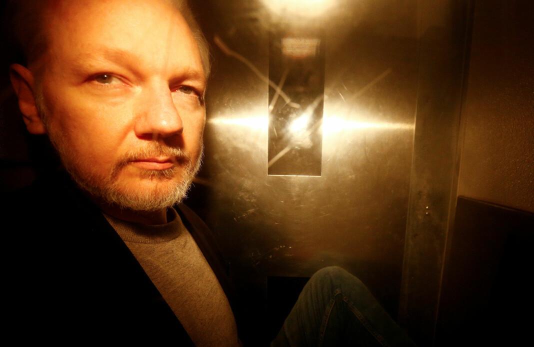 Julian Assange fotografert etter athan fikk sin dom i Southwark Crown Court i London 1. mai. Foto: Henry Nicholls / Reuters / NTB scanpix