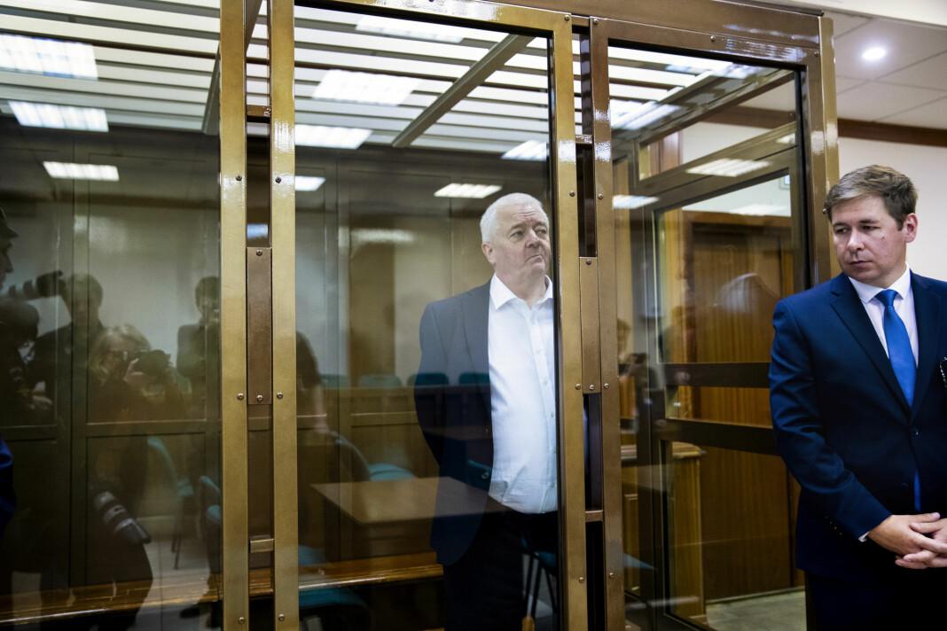 Frode Berg og hans forsvarer Ilja Novikov tilstede i byretten i Moskva i det dommen leses opp. Foto: Berit Roald / NTB scanpix