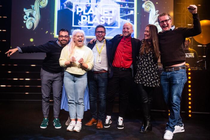 NRK vinner prisen for årets redaksjonelle arrangement for plastprosjektet i 2018. Foto: Eskil Wie Furunes