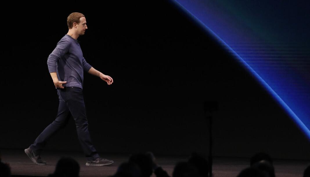 Facebook og Facebook-sjef Mark Zuckerberg skal ha stengt ned en rekke falske kontoer i Italia. Foto: Reuters / NTB scanpix