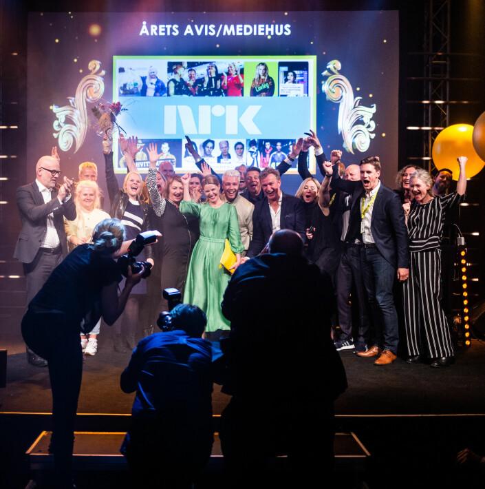 NRK-gjengen jubler for å ha blitt kåret til «Årets mediehus». Foto: Eskil Wie Furunes