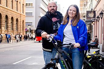 ABC Nyheter vil satse på reise og samferdsel. Derfor skal to journalister sykle 3000 kilometer på elsykkel