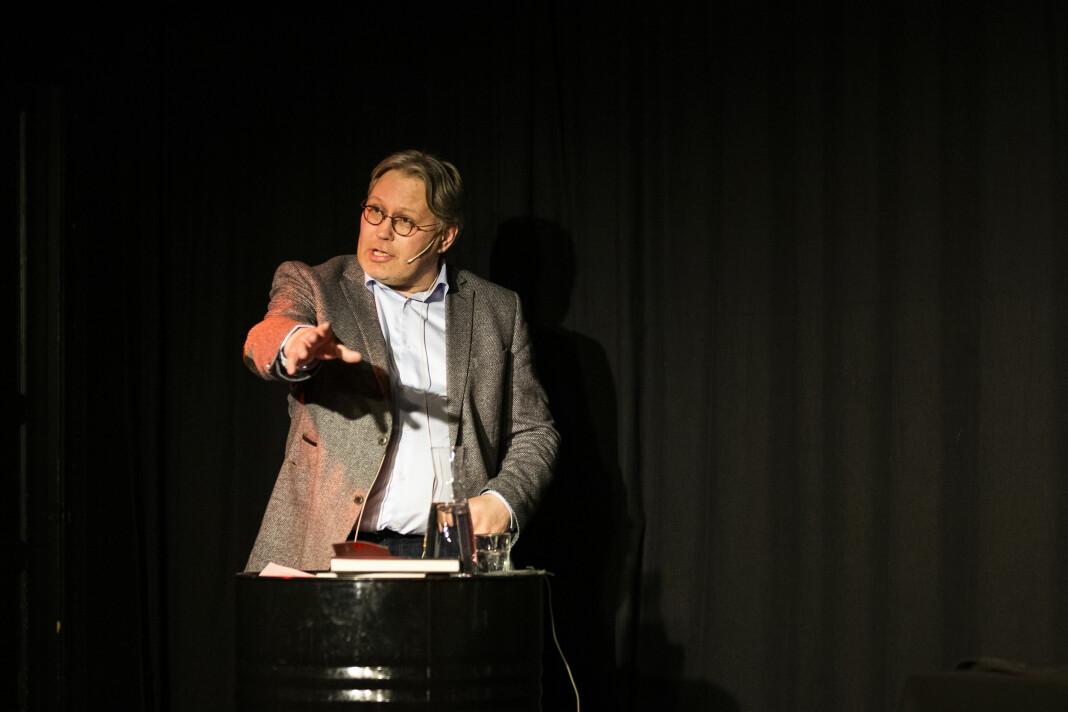 Politisk redaktør Skjalg Fjellheim i Nordlys, her under debatten om Frode Berg-saken i Tromsø i vår. Arkivfoto: Kristine Lindebø