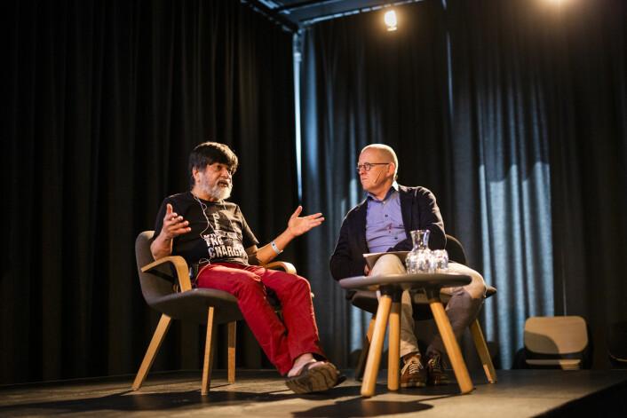 Shahidul Alam ble intervjuet av Finn Våga på Dok 19 i Fredrikstad. Foto: Kristine Lindebø