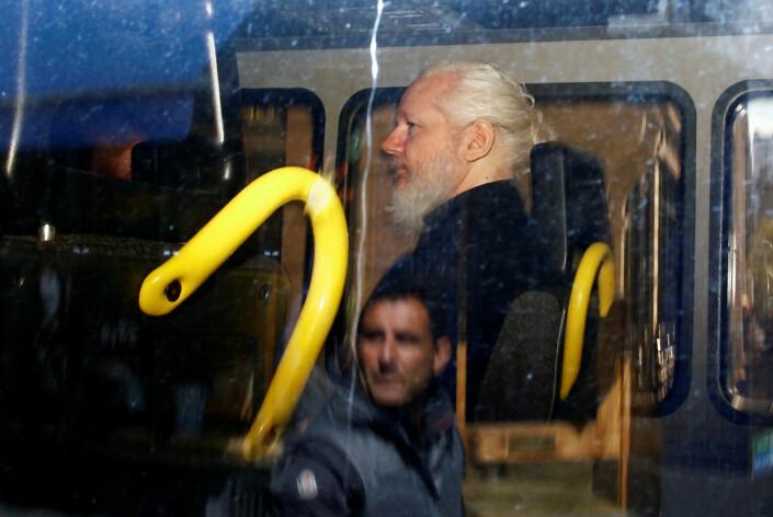 Julian Assange etter at han ble arrestert av britisk politi inne på ambassaden i London.