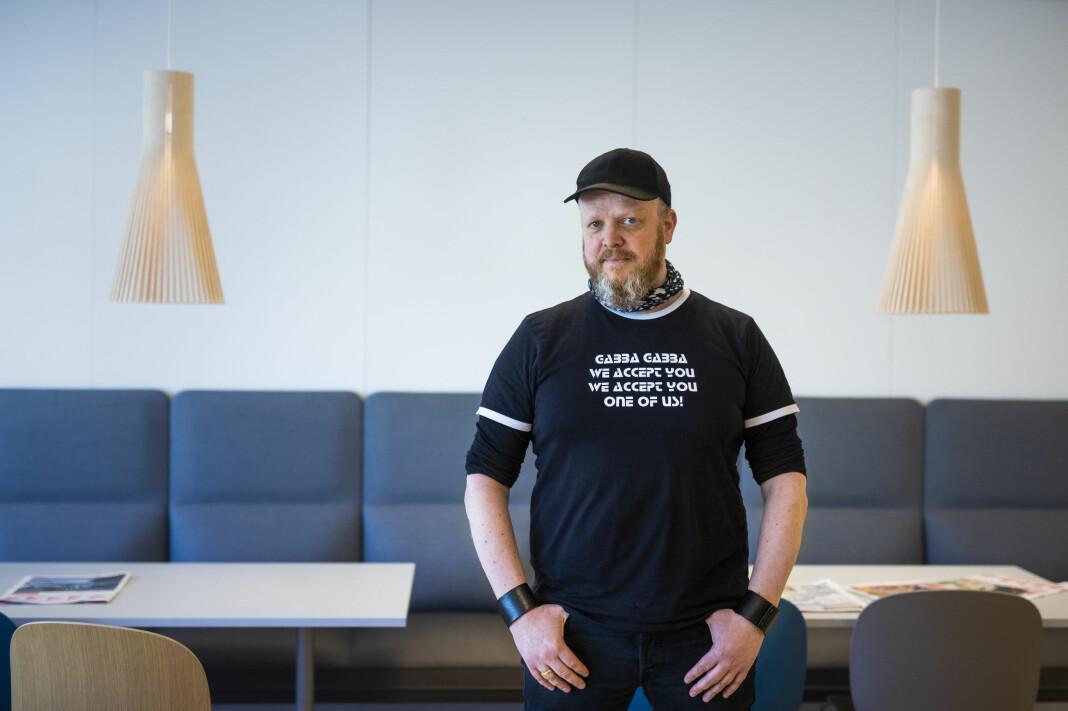 Egon Holstad er kommentator, journalist og mellomleder i iTromsø, og tok initiativ til musikksatsinga Feedback i 2015. Foto: Kristine Lindebø