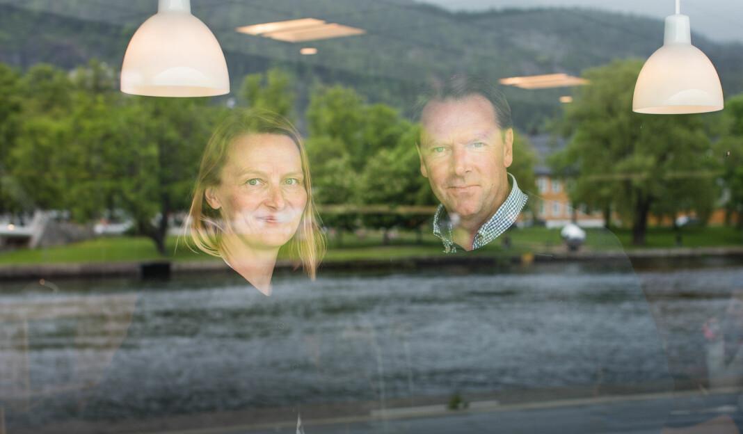 Karianne Braathen og Knut Erik Friis satser på «slow journalism» i Drammen. Foto: Nina Holtan / dipr.no