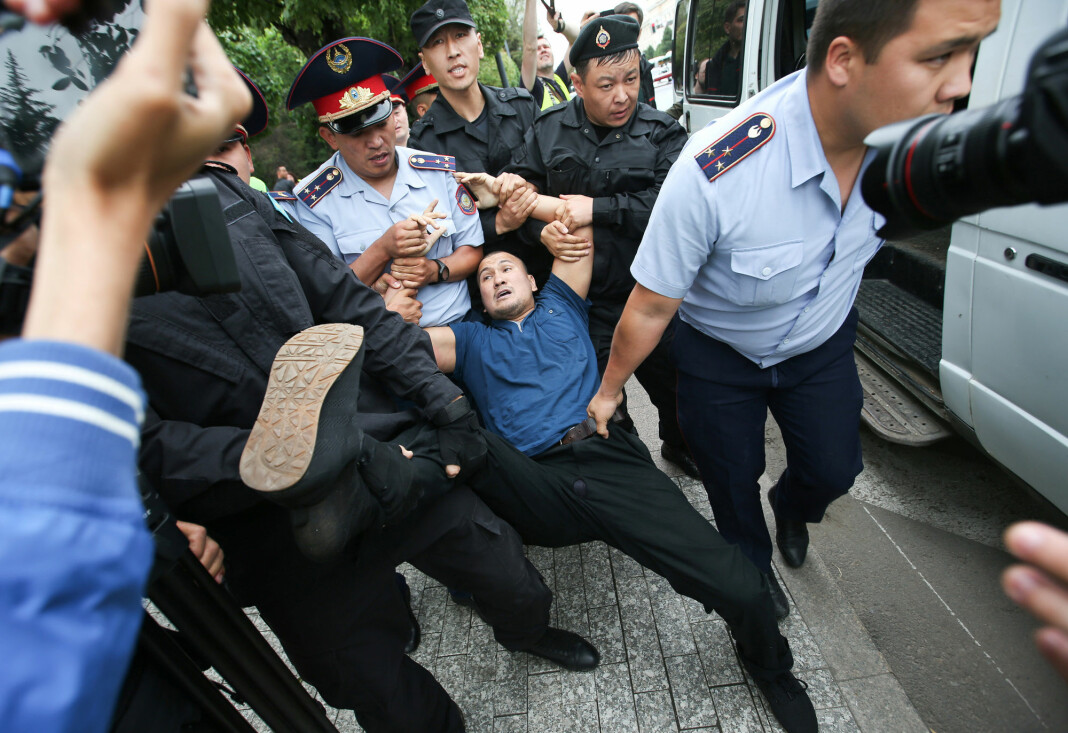 Søndagens valg i Kasakhstan ble preget av de største demonstrasjonene i landet på minst tre år. Foto: Reuters / NTB scanpix