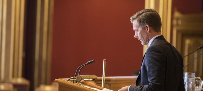 Høyres medietalsperson forsvarer NRK mot kritikk