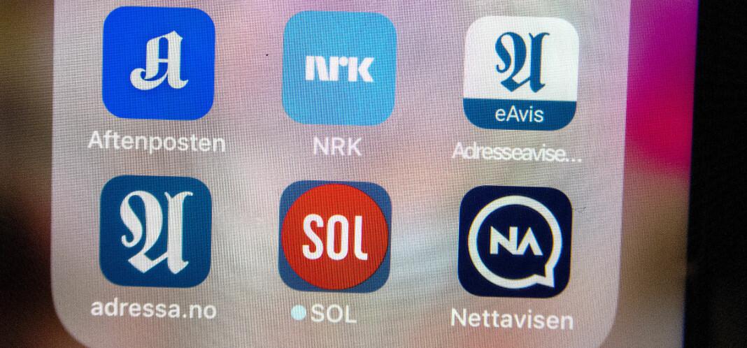 Nordmenns nyhetsvaner er stabile sammenlignet med fjoråret og mobilen er i dag vår viktigste nyhetskilde, fremgår det av Reuters Institute Digital News Report. Foto: Gorm Kallestad / NTB scanpix