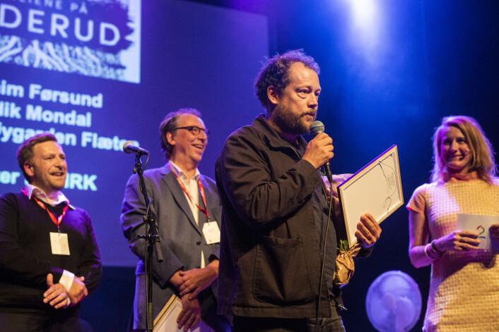 Joachim Førsund tok imot prisen på vegne av hele teamet bak «Familiene på Orderud». Foto: Kristine Lindebø