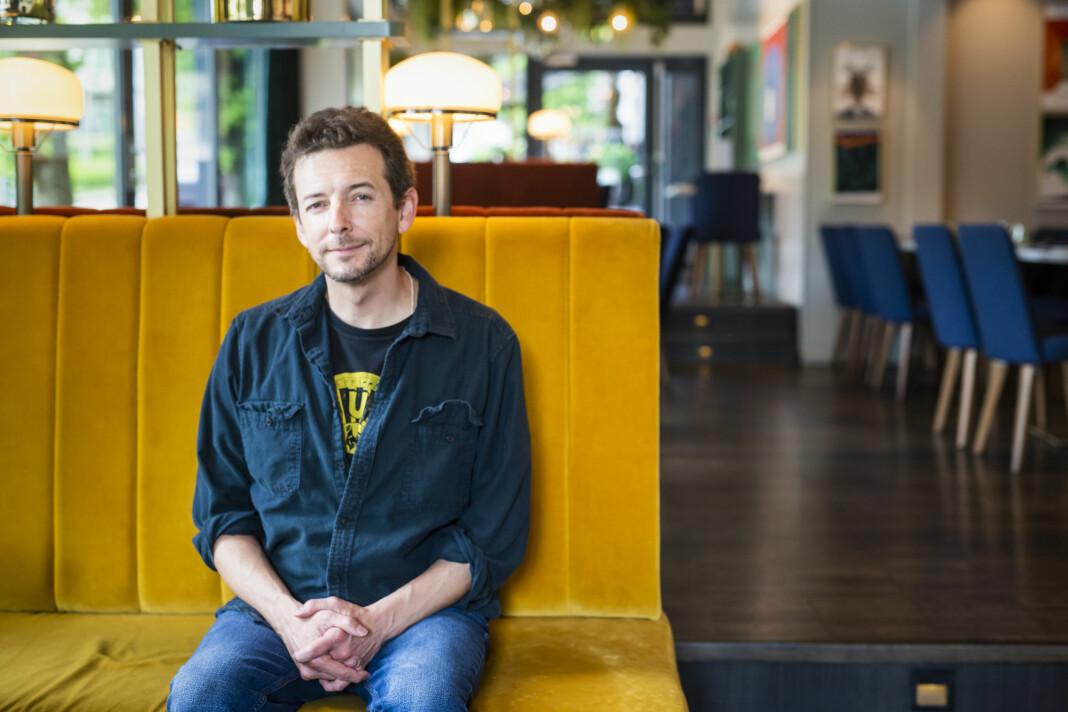 Los Angeles Times-journalist Christopher Goffard, som er skaperen av podkast-suksessen «Dirty John» var i Norge under fortellingens kraft i Bergen. Foto: Kristine Lindebø