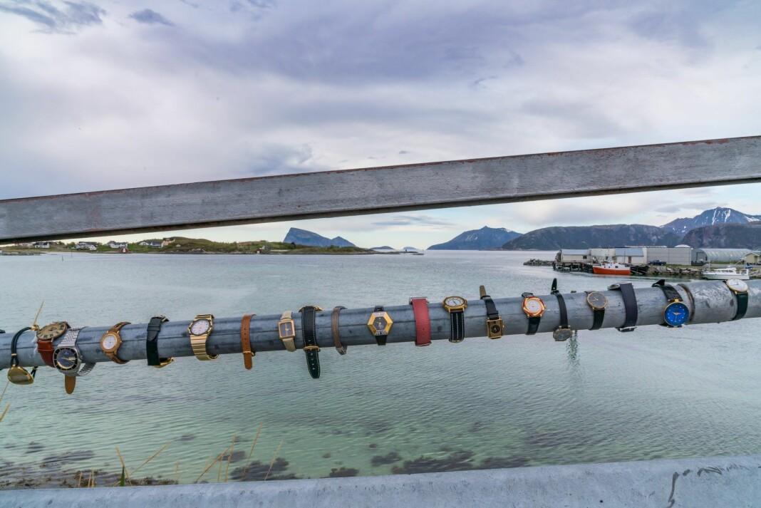 Klokker på broen til Sommarøy. Foto: Gøran Mikkelsen / Innovasjon Norge