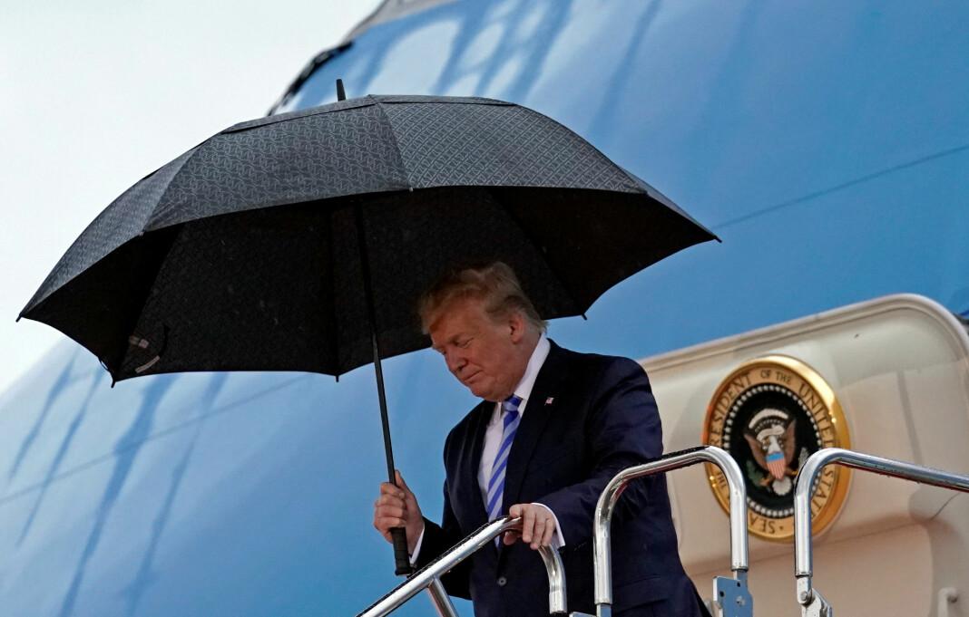 President Donald Trump bruker Twitter aktivt for å nå ut til over 61 millioner følgere. Foto: Kevin Lamarque / Reuters / NTB scanpix
