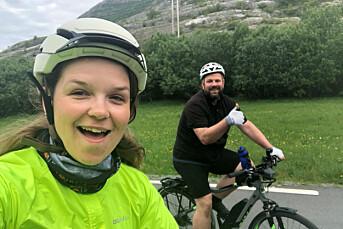 Hun har gitt ut «Bompengeboka» og syklet over 3.000 kilometer i juni