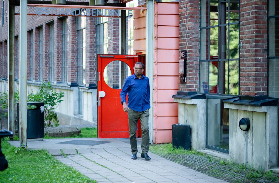 Rajan Chelliah møter Journalisten på det som kan være hans siste dag med fungerende NRK-nøkkelkort. Foto: Nils Martin Silvola
