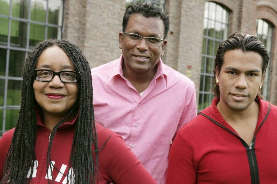 Karyn Bennett-Lund, Rajan Chelliah og Vegard Thomas Olsen var noen av reporterne og programlederne for Migrapolis. Her i 2006. Foto: NRK
