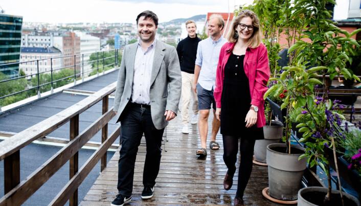 Av hovedaktørene, som foreløpig er kreditert, er det kun Pål Hellesnes (foran til venstre) og Line Madsen Simenstad som jobber fast i Klassekampen. De lover flere innslag fra historien og en hyllest til Klassekampens Venner.