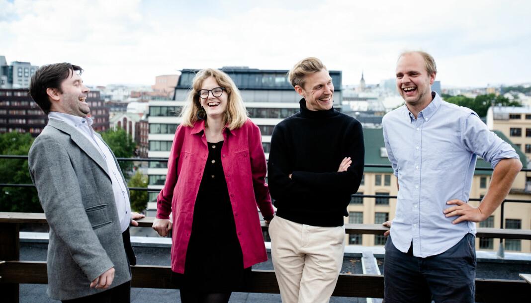 Pål Hellesnes, Line Madsen Simenstad, Espen Klouman Høiner og Mimir Kristjánsson står på takterrassen i Klassekampen-bygget. Om et halvt år er de klare for festival. Foto: Eskil Wie Furunes