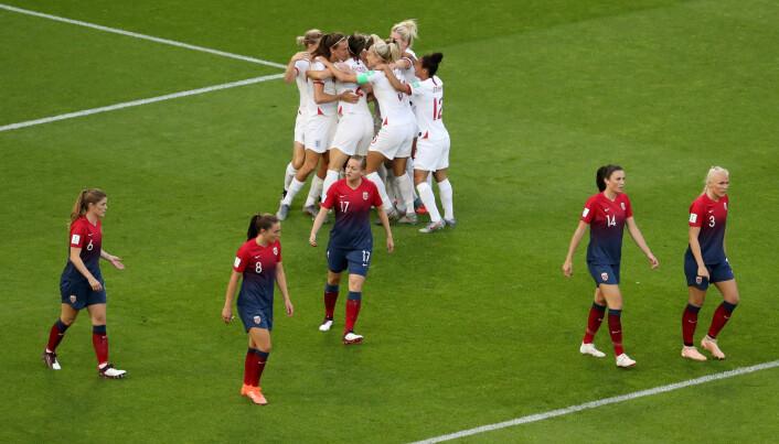 Englands første mål i kvartfinalen mot Norge i fotball-VM. Foto: Yves Herman, Reuters