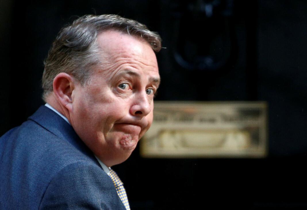 Handelsminister Liam Fox sier at han mistenker at gjerningspersonen enten er medlem av den britiske politiske klassen eller ansatt i embetsverket. Foto: Henry Nicholls / Reuters / NTB scanpix