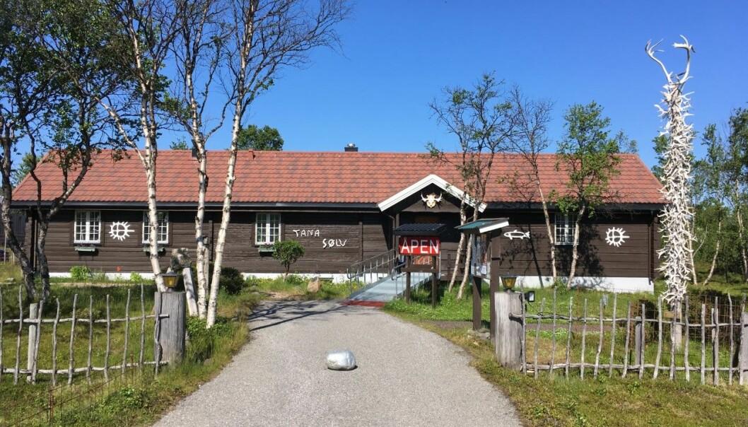 Tana Gull og Sølvsmie AS har hatt designbeskyttelse på sin versjon av solsymbolet siden 1991. Nå har Patentstyret mottatt flere klager. Foto: Privat