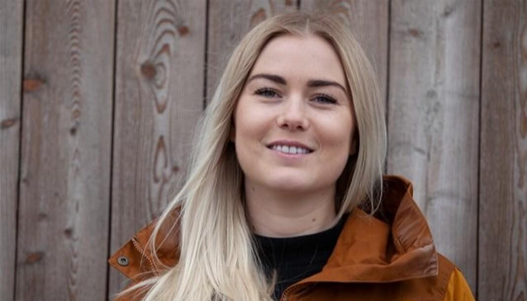 Fra sommervikar til fast stilling: Siri Åbø Wiersen har fått fast jobb i Svaldbardposten. Foto: Ingrid Ballari Nilssen / Svalbardposten