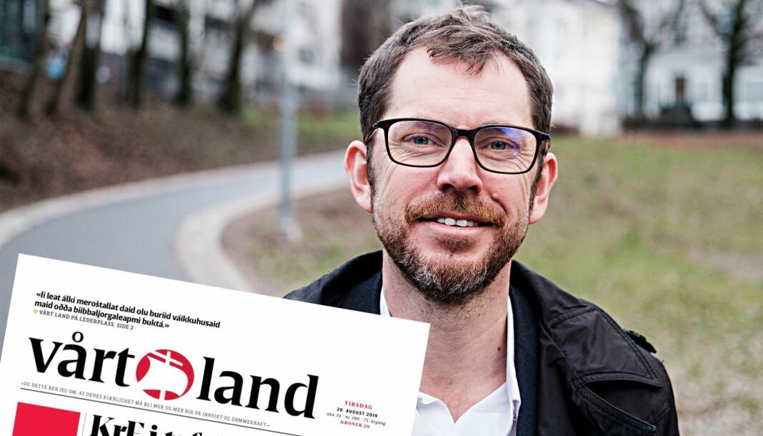Sjefredaktør Bjørn K. Bore i Vårt Land og dagens forside av papiravisen. Henvisning til lederen øverst til venstre. Foto: Vårt Land