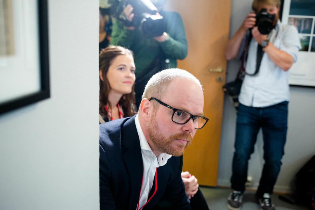 VG-sjef Gard Steiro og nyhetsredaktør Tora Bakke Håndlykken overvar PFU-behandlingen. Foto: Eskil Wie Furunes