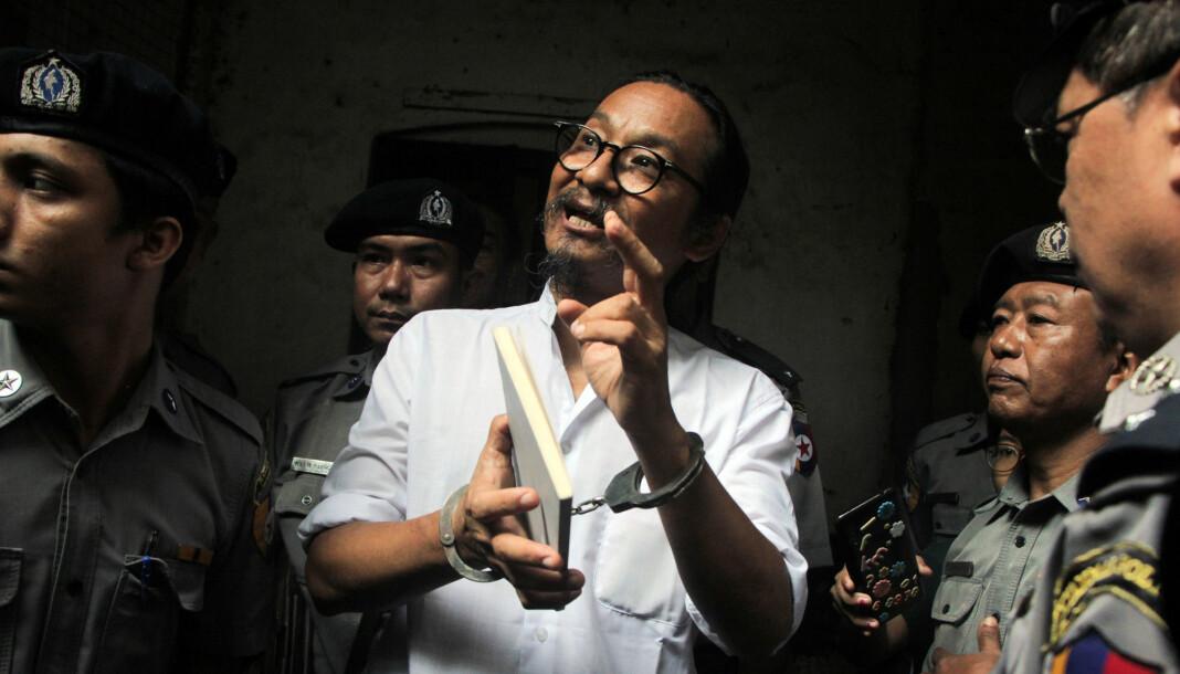 Min Htin Ko Ko Gyi er nå dømt til ett års fengsel for brudd på straffelovens forbud mot ytringer som skaper uro i befolkningen. Foto: Reuters / NTB scanpix
