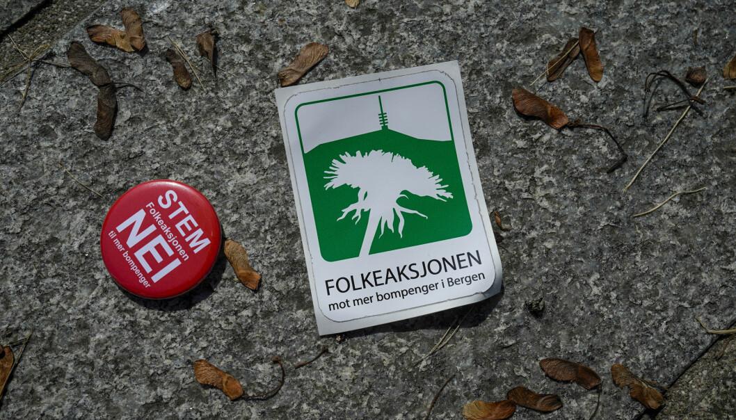 Selv om protestene mot bompenger dominerer i den nasjonale pressen, så er det ti andre politiske saker som er viktigere for de fleste lokale mediene. Foto: Heiko Junge / NTB scanpix