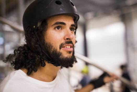 Patrick Da Silva Sæther er en uredd nybegynner, ifølge medskaterne i NRK Skate.