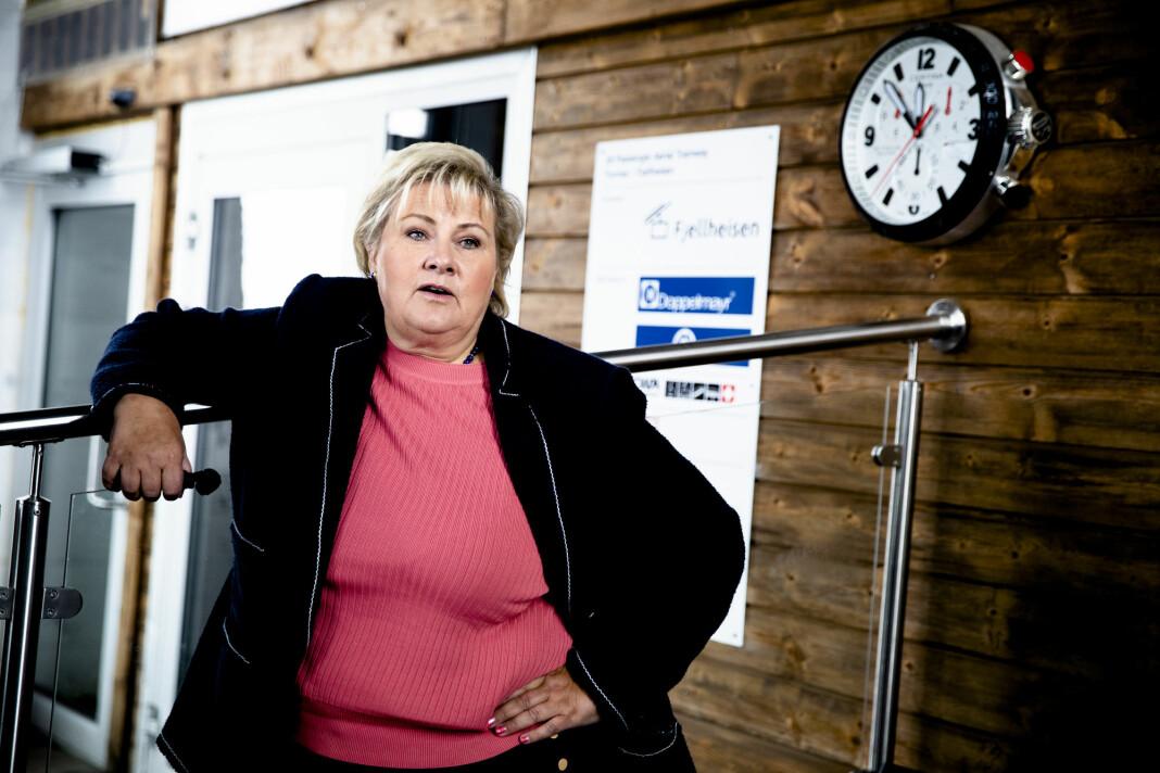 – Man må tenke gjennom om det er NRKs rolle å gjøre dette, sier statsminister Erna Solberg. Foto: Stian Lysberg Solum / NTB scanpix