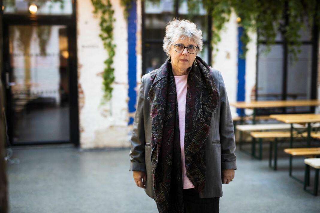 Frilansjournalist i Paris Vibeke Knoop Rachline fikk et sterkt formidlingsbehov etter terrorangrepene i Paris i november 2015. Nå gir hun ut bok for det norske markedet. Foto: Kristine Lindebø
