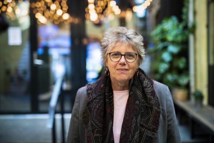 – Det eneste jeg kunne gjøre var å skrive, sier forfatter Vibeke Knoop Rachline. Foto: Kristine Lindebø