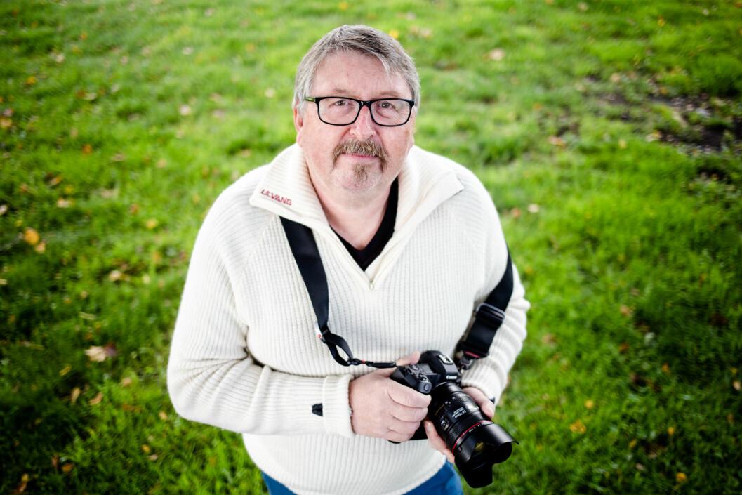 Per Flåthe er nå 64 år. Han lever halvveis som pensjonist og bestefar, og halvveis som evig frilanser.