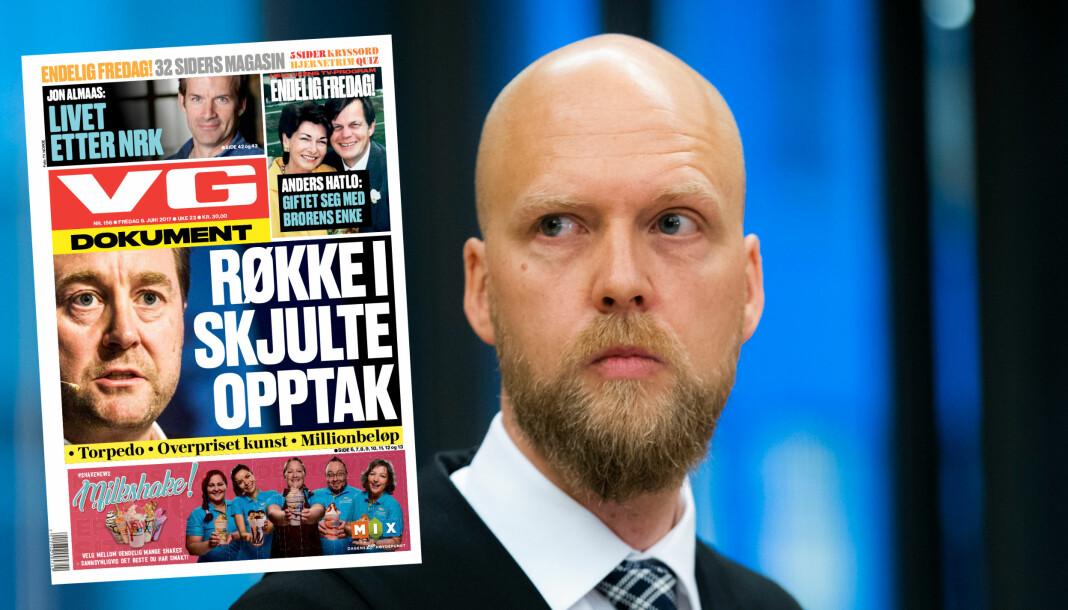 Aktor Terje Nedrebø Michalsen presenterer VG-oppslag som bakteppe for utpressingssaken der Kjell Inge Røkke er fornærmede part. Foto: Berit Roald/NTB Scanpix