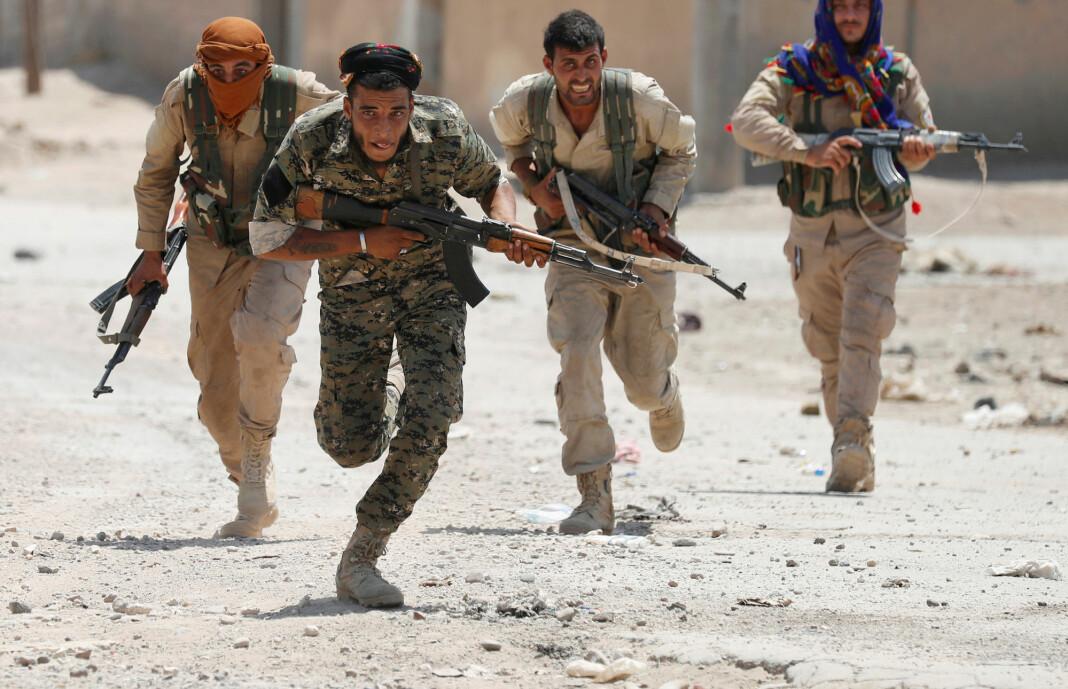Den kurdiske YPG-militsen anklages for å stå bak angrepet. Bildet viser YPG-soldater i en annen setting. Arkivfoto: Reuters / NTB scanpix