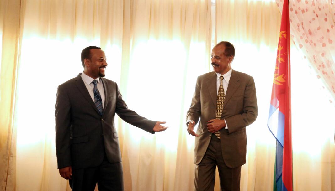 Eritreas president Isaias Afwerki sammen med fredsprisvinner Abiy Ahmed i nabolandet Etiopia. Arkivfoto: Tiksa Negeri / Reuters / NTB scanpix