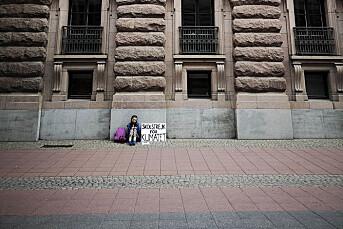 BILDET: Adam Johansson fotograferte skolestreikens ensomme førstedag. Et år senere har bildet gått viralt