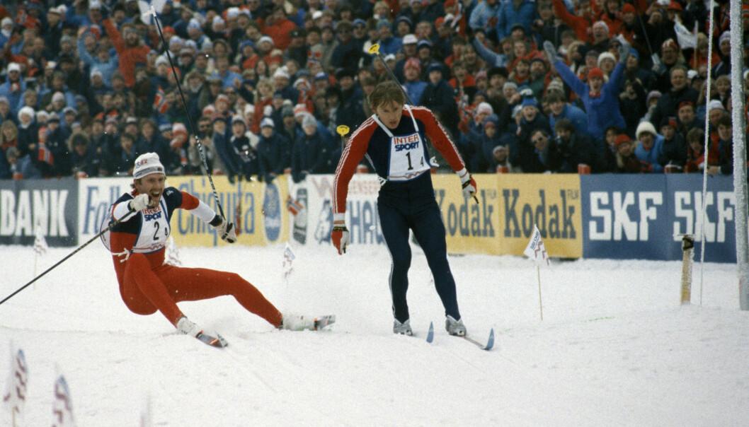 Oddvar Brå hadde brukket staven, men staket fra Alexander Savjalov i VM-stafetten i 1982. «Dette kan du ikke tape, Oddvar», sa Rolf Hovden på TV. De kom likt over mål. Foto: Erik Thorberg / NTB scanpix