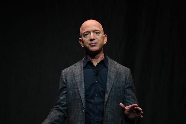 Amazon tok ikke godt imot James Bloodworths bok. Her selskapets direktør Jeff Bezos, som er en av verdenes rikeste menn. Foto: Clodagh Kilcoyne / Reuters / NTB scanpix
